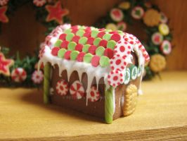 Traditionnal Gingerbread House by PetitPlat