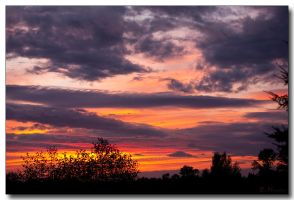 Ho hum, another great sunset by ricmerry