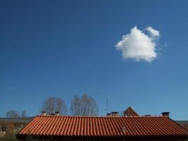 Lonely_cloud by Zoeira