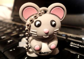 USB-mouse by monsterinmyhead