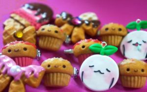Mandora Charms and Cupcake Pins by KaWaiiCharMZ831
