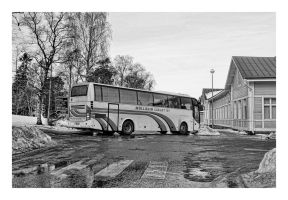 Bus in Trouble by wchild