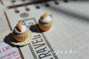 Carrot Cake Cupcakes + Tutorial by CocoCharms