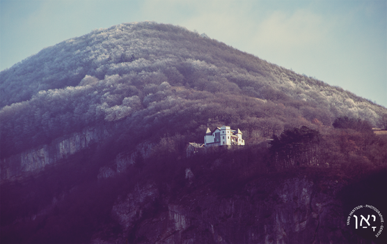 Castle on a mountain by Yan-Photographie