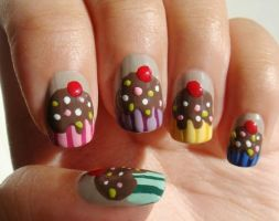 Nails cupcak by marinabelieber