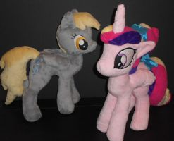 Foalsitter Cadance and Derpy by Sophillia