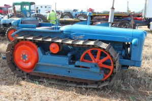 fordson major crawler by tap69