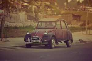Vintage car by gouhar