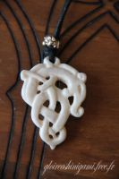 Snake pendant by GreatShinigami