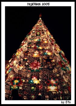 Happy Holidays: Paskuhan Tree by EiYa