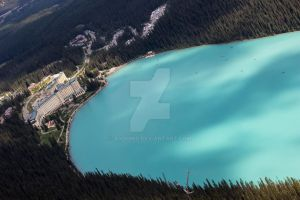 Lake Louise and the Fairmont Chateau by aydonis