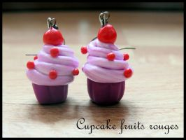 Cupcake fruits rouges Fimo by MellePaulina