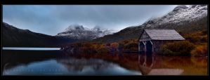 Cradle Mountain Panorama by CapturingTheNight