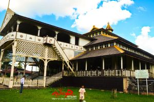 side_view_of_kraton_kadariah_by_dejivrur-d5oyvkd.jpg