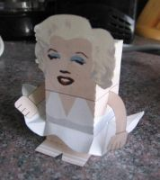 Marylin Monroe Papercraft by P-M-F