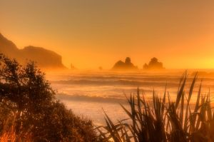 Golden Bay... by Mikelyjohnsono