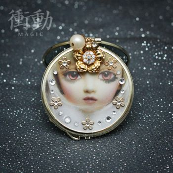 Gold Deco Mirror Doll Face by shoudoumagic