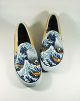custom shoes , hand painted by Annatarhouse