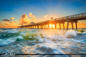 Juno-Beach-Pier-Wave by CaptainKimo