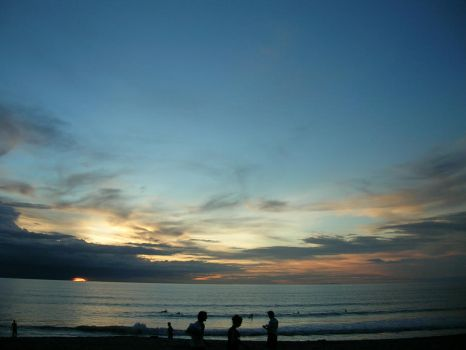 Sunsets - Kuta Beach by leontanzxy