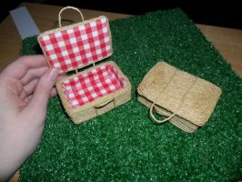 Picnic Baskets Scale 1:6 by kayanah