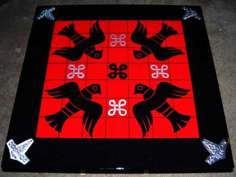 Tablero board - ravens and hammers by Grimolfr