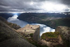 Preikestolen by jonpacker