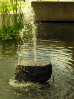 Fountain in Exeter University: 4 by yaschaeffer