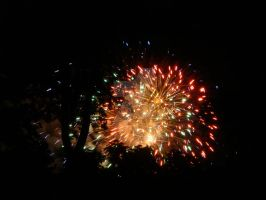 Fireworks Finale in Red But Disappating by AnnamaeTezuka