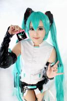 Miku in Append by pinkyluxun