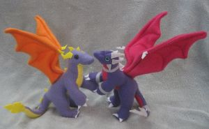 Spyro and Cynder Dragon Plushies by Skylanth