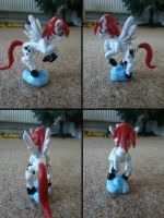 Scatter Paws Sculpture by LadyNanaki