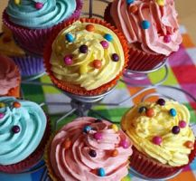 Coloured Vanille Cupcakes by VPofFantasyland