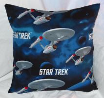 Star Trek Pillow 3 by quiltoni