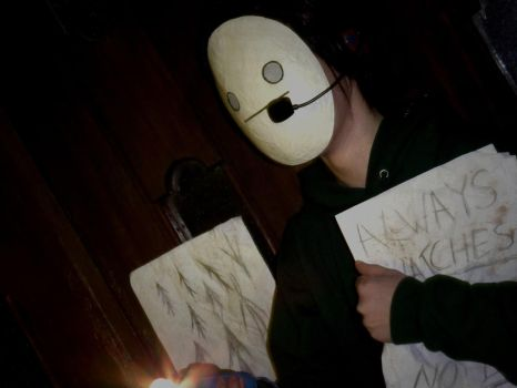 Cry plays Slender by grey-queen
