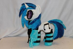 DJ Pony/Vinyl Scratch Plush by KarasuNezumi