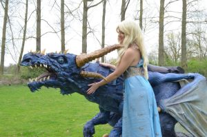 A Happy Mother of Dragons by Artyfakes
