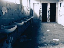 oldskul wc by Kate-Gore