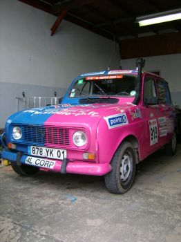 My crazy painting car by Superpouet