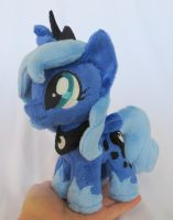Lunamini by fireflytwinkletoes