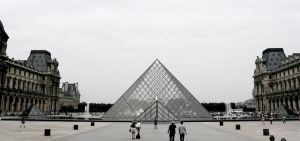 Louvre by creativehouse