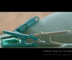 French kiss or bitting by cd-13