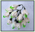 Snowdrop Kanzashi by Guip-in-a-Box