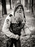 Crazy Old Man by OloS