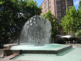 Kings Cross Fountain by Zomit