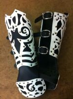 Tribal Gauntlet black and white by Damiane