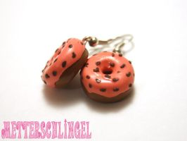 Donut Earrings with pink icing by Metterschlingel