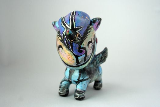 CUSTOM UNICORNO VINYL TOY by ShinigamiSoiree