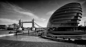 Scoop Vs Tower Bridge by NachoRomero