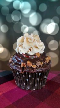 Toffee Coffee Cupcakes by estranged-illusions